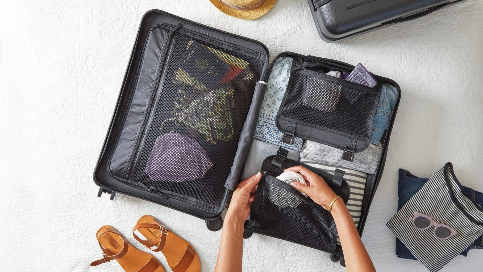 Como montar uma mala organizada levando apenas o essencial